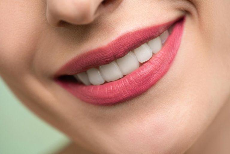 Na co zwrócić uwagę wybierając pastę do zębów bez fluoru?